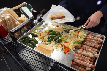 la-dd-super-bowl-2015-diy-baconwrapped-hot-dog-cart-20150127
