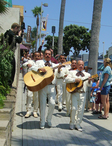 Mariachis by Malingering